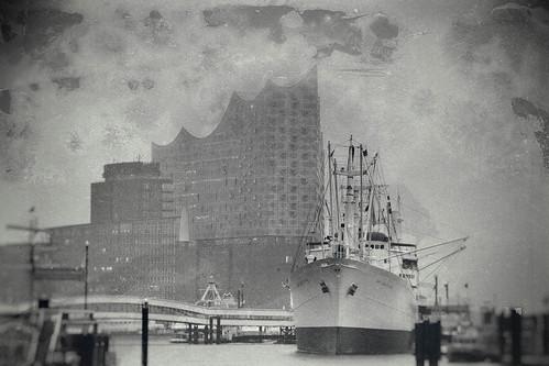 Cap San Diego Elbphilharmonie Hamburg (Retro)