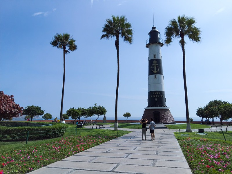 Faro La Marina