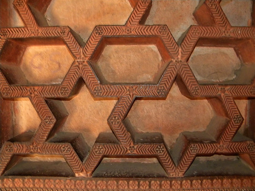 Geometric Islamic pattern in the walls of the mosque in Fatehpur Sikri, a town outside of Agra in India