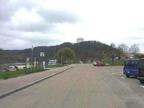04 - Blick auf die Befreiungshalle Kelheim  vom Donauufer