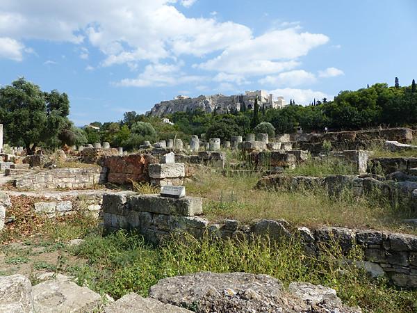 acropole et colonnes de l'agora