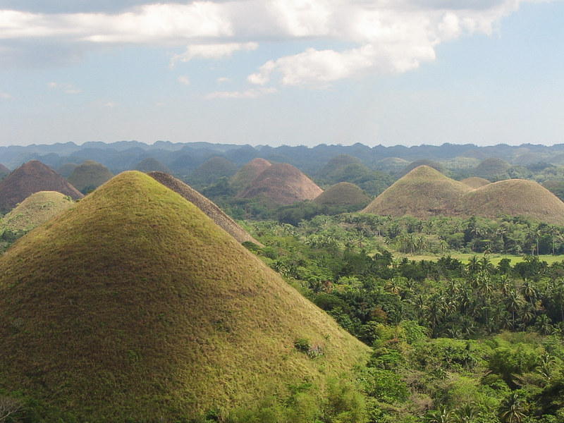 Chocolate_Hills_-_edit