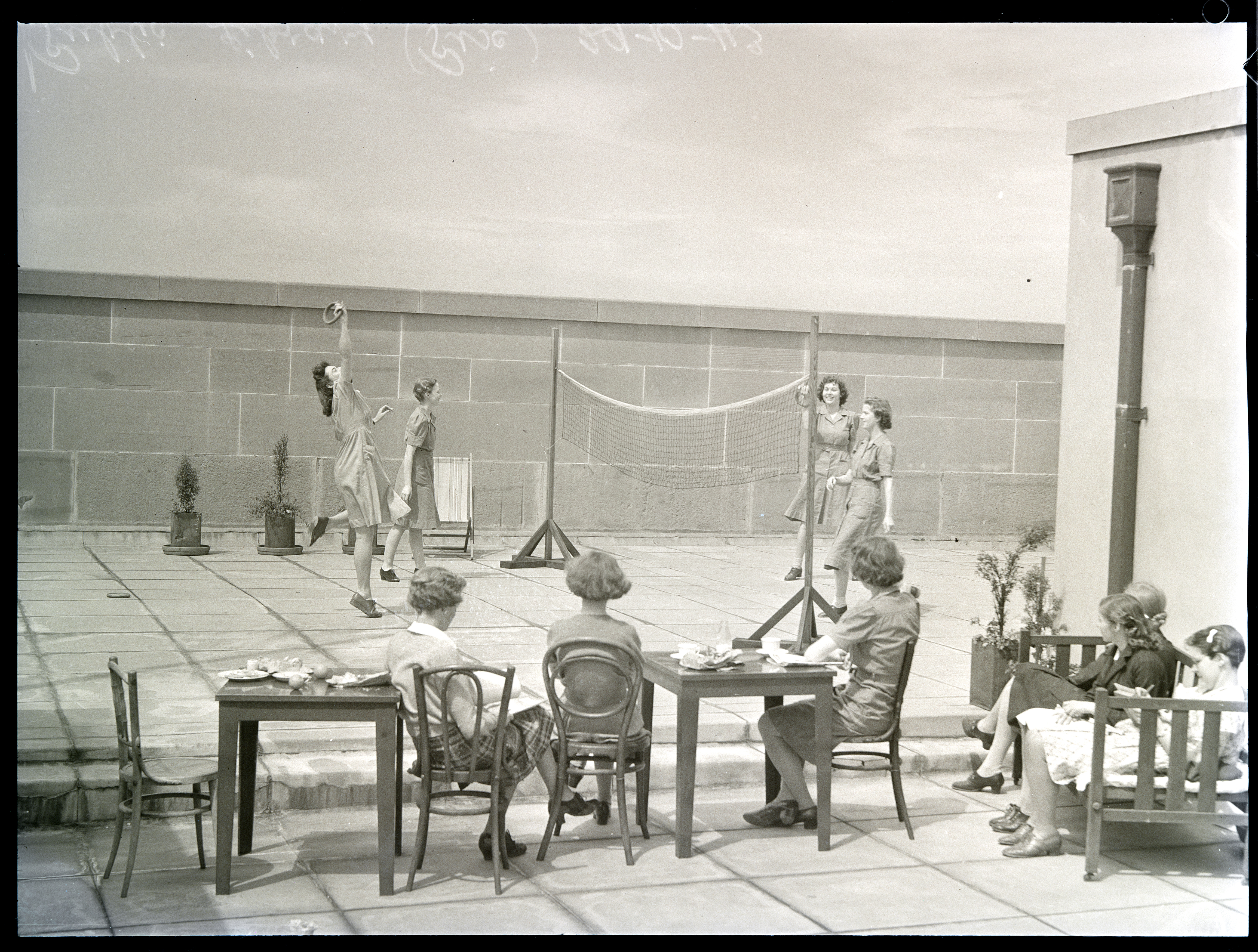 Staff on the Roof, Mitchell Building, 29.10.1943, photograph by Ivan Ives
