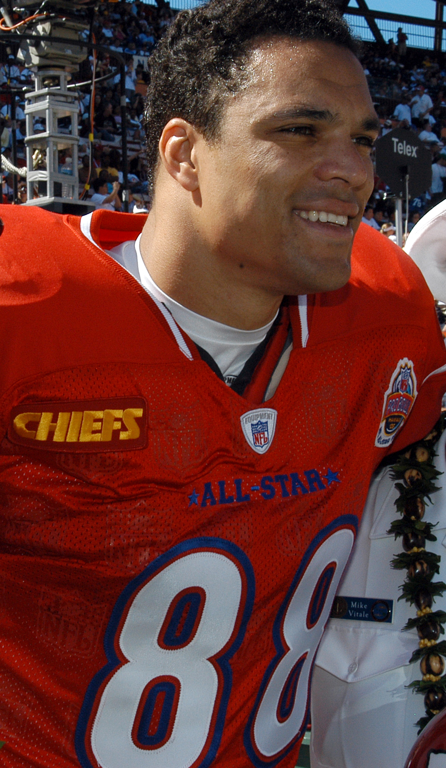 Kansas City Chief's Tight End Tony Gonzalez prior to the kickoff of the 2005 NFL Pro Bowl held in Honolulu, Hawaii. Commander, U.S. Pacific Command, Admiral Thomas Fargo performed the coin toss to start the game, which also included joint service color guards, a Hawaii Air National Guard F-15 Eagle flyover and a salute to more than 60 Purple Heart recipients. Photo taken by Journalist 3rd Class Ryan C. McGinley, USN, on February 13, 2005.