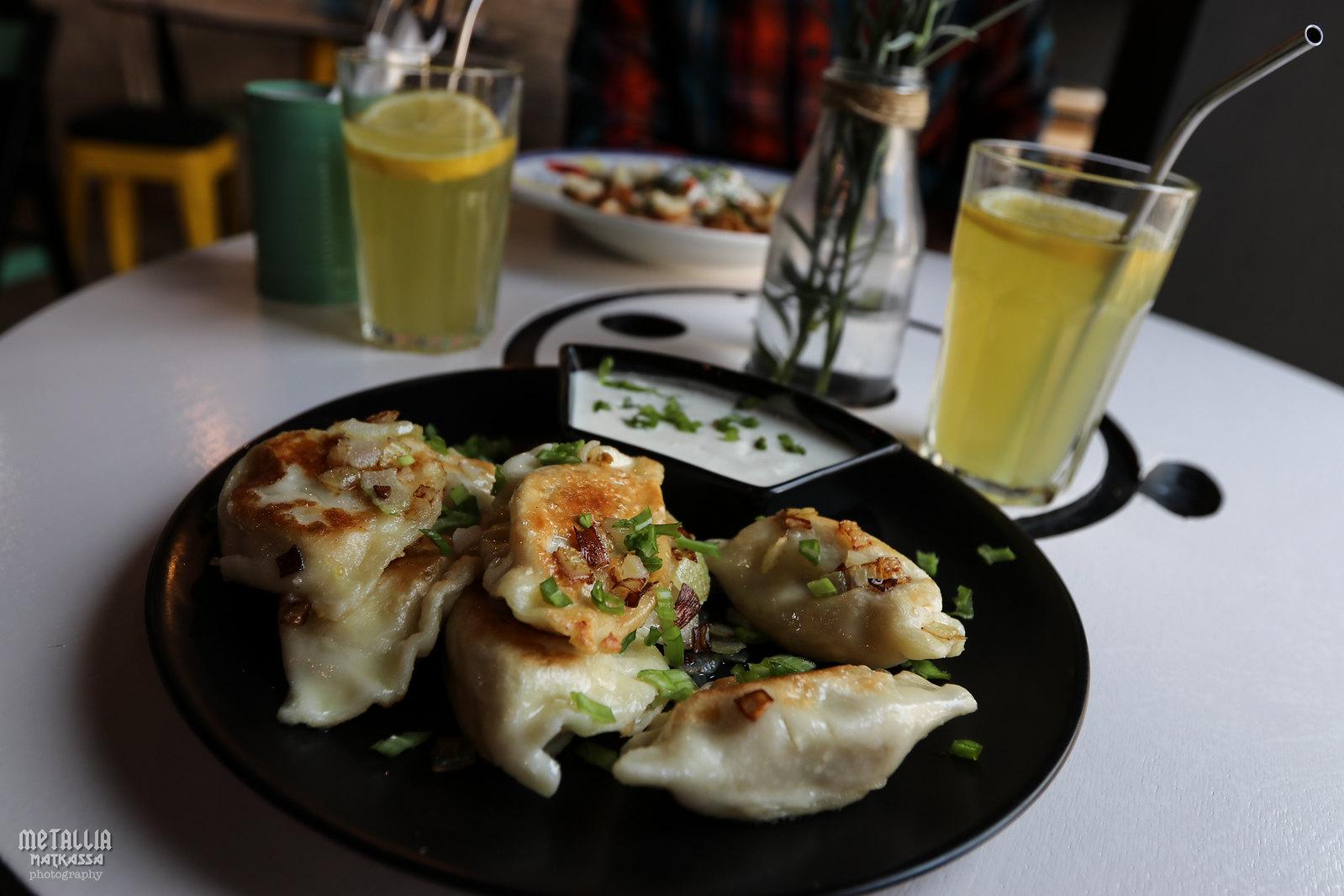 vegaaninen ravintola gdansk, gdanskin ravintolat, ravintolasuosituksia gdanskiin, kasvissyöjänä puolassa, lemmikkiystävällinen ravintola, vegan port gdansk