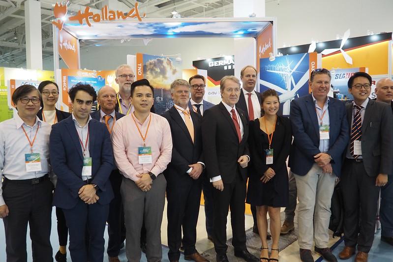荷蘭多家風電業者和專家來台分享經驗,尋求與台灣發展合作機會。攝影:李育琴。