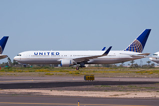 United Airlines Boeing 767-300ER N590UA
