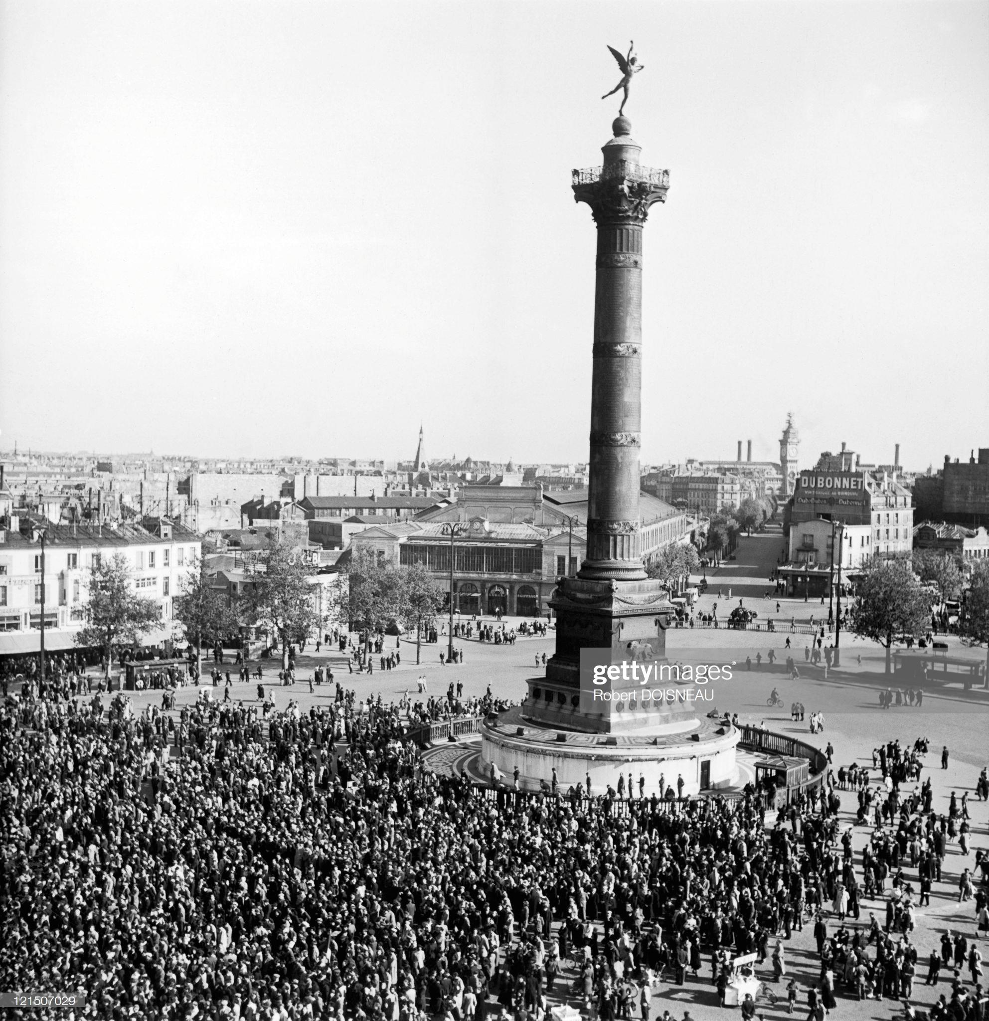 1949. Демонстрация 1 мая на площади Бастилии
