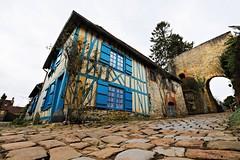 La maison bleue ensoleillée - Photo of Hannaches