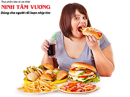 Ăn quá nhiều cũng là nguyên nhân khiến tim đập nhanh sau khi ăn