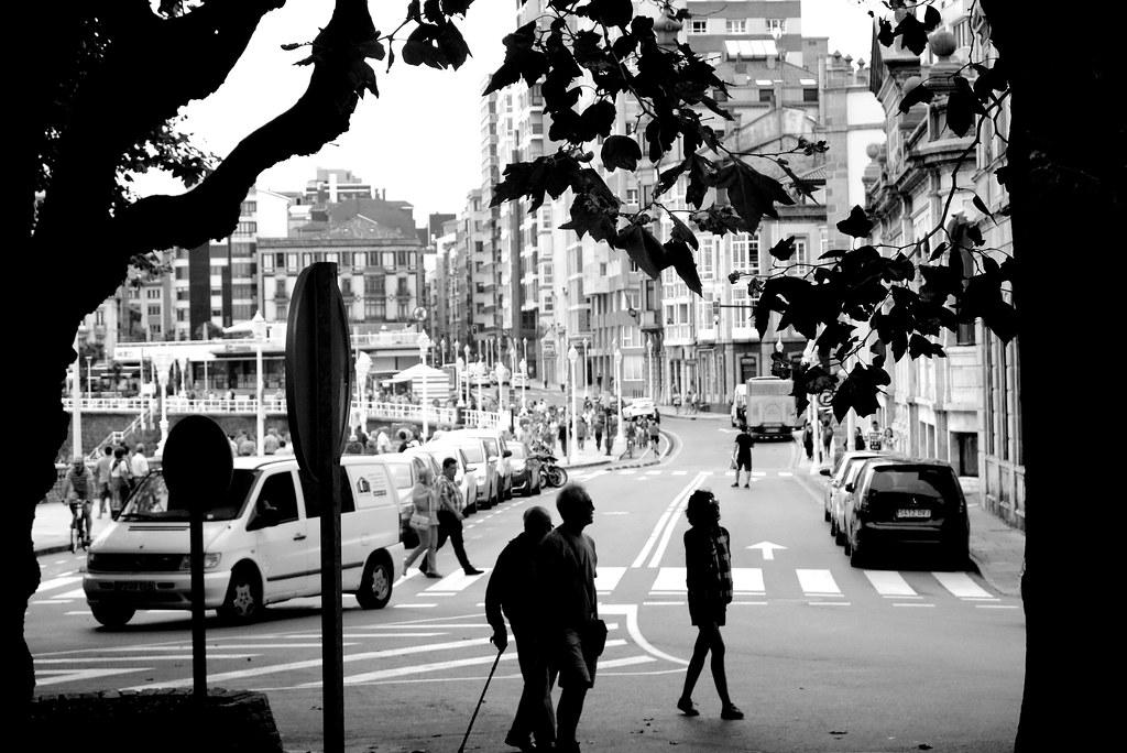 Gijón: paso de cebra y otros pasos alternativos