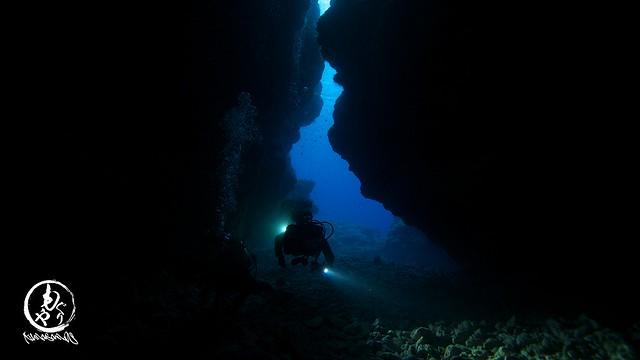 曇ってたけど美しかった洞窟