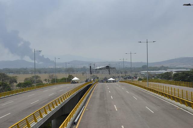 Fronteira da Venezuela com a Colômbia se prepara para embate
