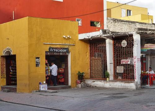 Valladolid — a stop in Chichen Itza tour