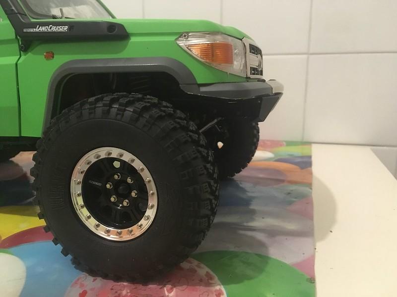 Toyota LC70 SCX10 II 46794954102_a589f2c433_c