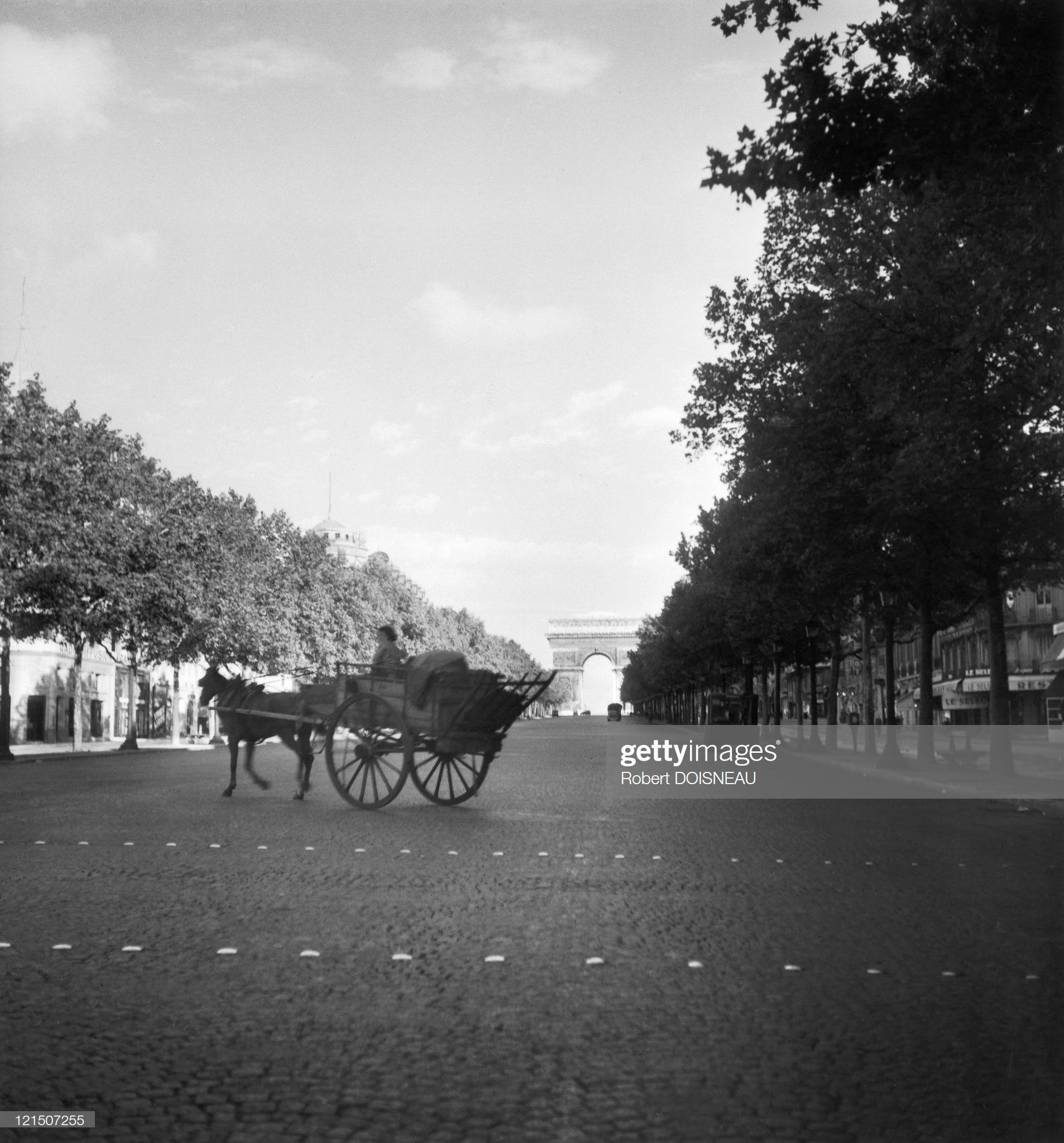 1944. Париж под оккупацией. Елисейские поля