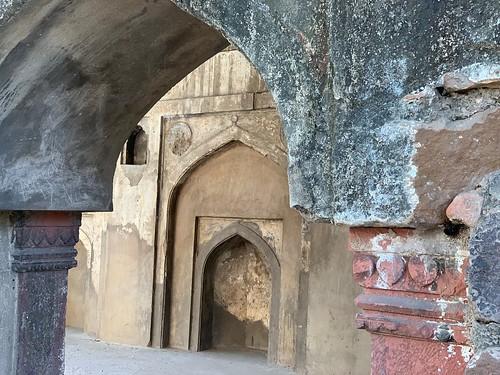 City Monument - Unnamed Mosque, Agrasen ki Baoli