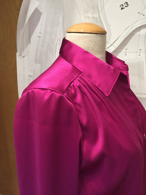 Pink silk shirt yoke view