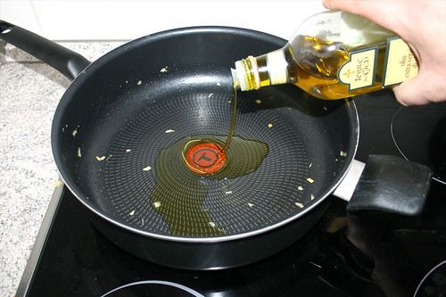 18 - Erneut Olivenöl in Pfanne erhitzen / Again heat up olive oil in pan