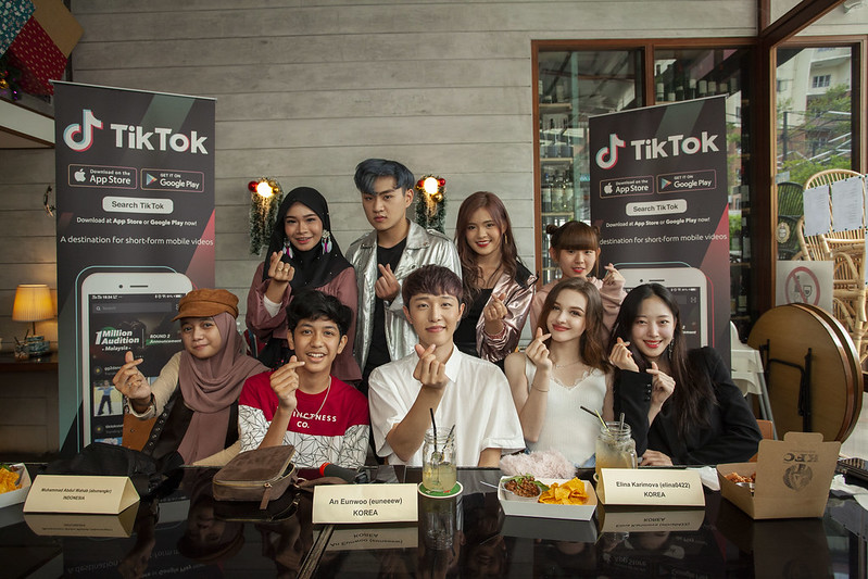W1 - Group Photos With Tiktok Creators From Malaysia, Indonesia And South Korea