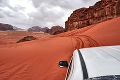 wadi rum jeep hill descent
