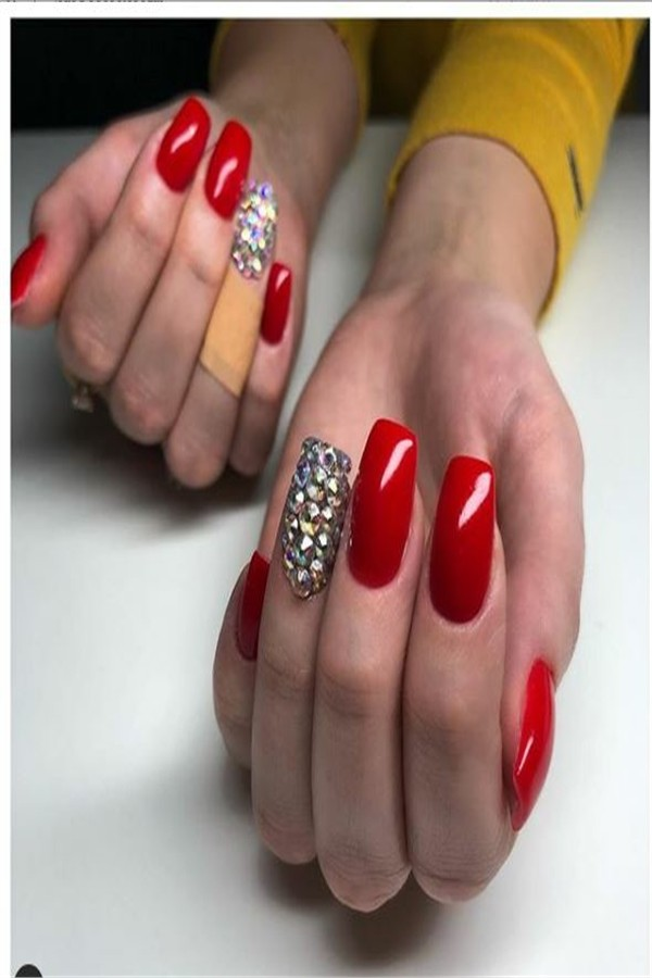 30+ Majestic Nail Art With Diamonds Trends 2019 #nail_art_designs #winter_nails #diamonds_nails