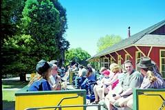 USA, la Californie, les wagons à découvert du train Roaring Camp Railroads