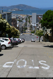 20180608_26 Stop text, steep street, & Alcatraz | San Francisco, California | by ratexla
