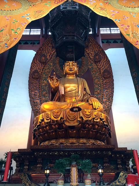 800px-Lingyin_Buddha_via wikipedia dot com