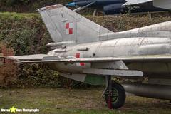 2718---662718---Polish-Air-Force---Mikoyan-Gurevich-MiG-21U-600---Savigny-les-Beaune---181011---Steven-Gray---IMG_5628-watermarked