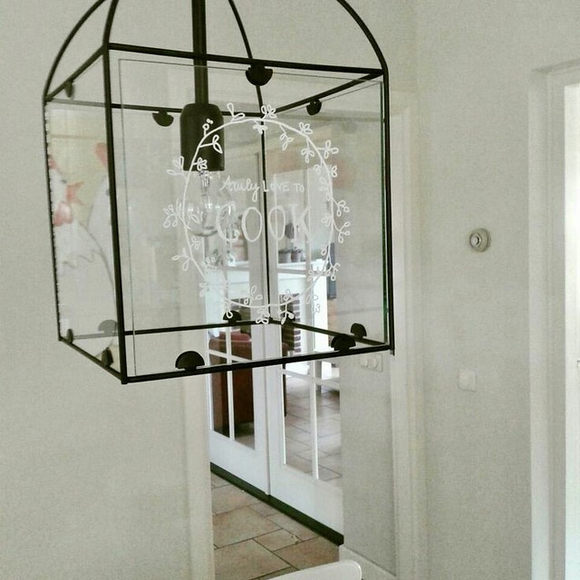 Zwarte lamp met glas