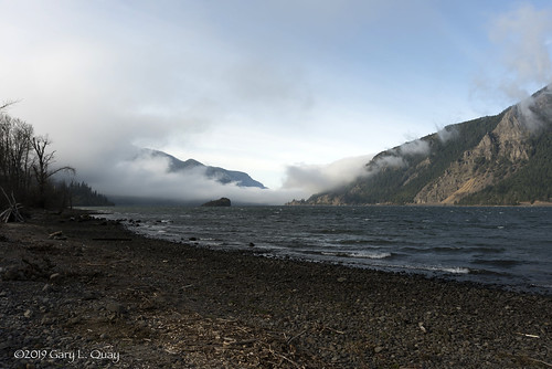 vientostatepark columbiagorge oregon fog peasoup river water winter cloud pacificnorthwest nikon garyquay