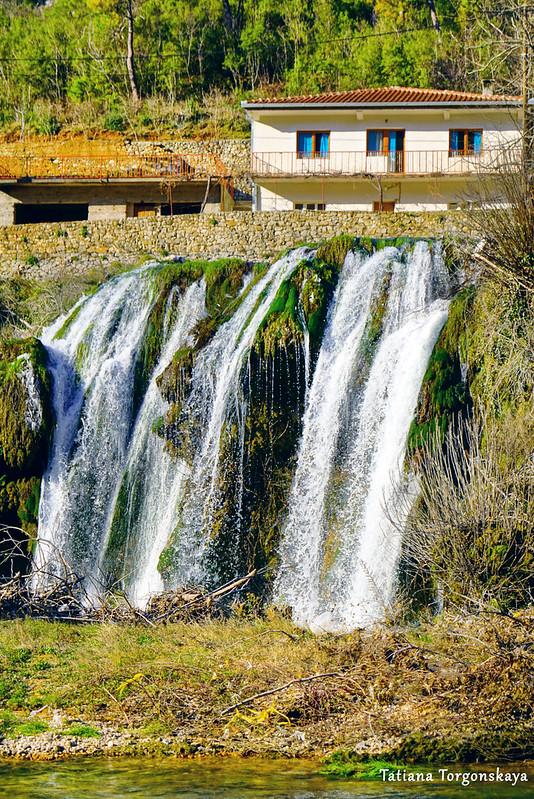 Вид на водопад Провалие