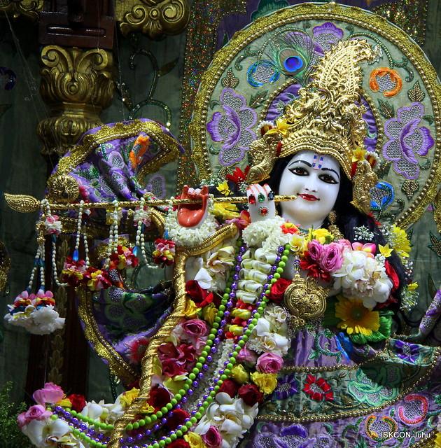ISKOCN Juhu Sringar Deity Darshan on 26th Mar 2019
