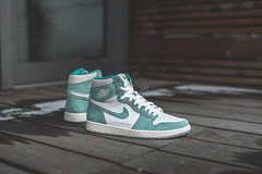 "Air Jordan 1 Retro High OG ""Turbo Green"" 02"