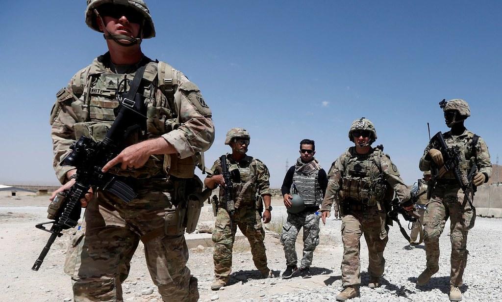 美軍與阿富汗安全部隊於洛加爾省巡邏。(圖片來源:Omar Sobhani/Reuters)