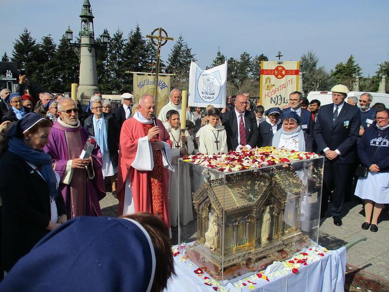 Les reliques de Sainte Bernadette en Normandie