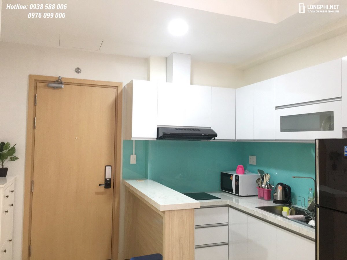 Trang thiết bị bếp bên trong căn hộ M-One cho thuê.