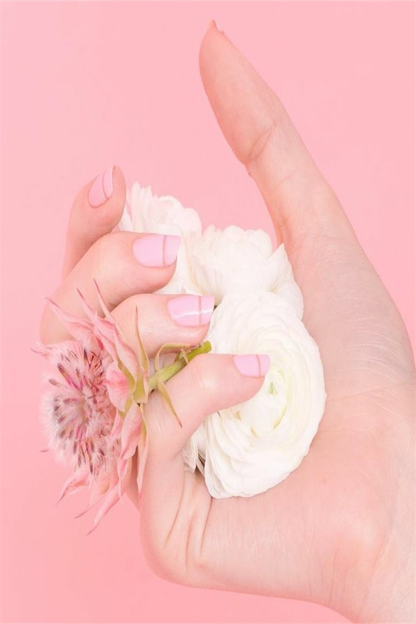 30+ Super Lovely Valentine's Day Nail Art Ideas 2019 #nail_art_designs #winter_nails #February_nails #valentine_nails