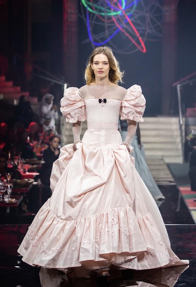 Наталья Водянова в платье Ulyana Sergeenko
