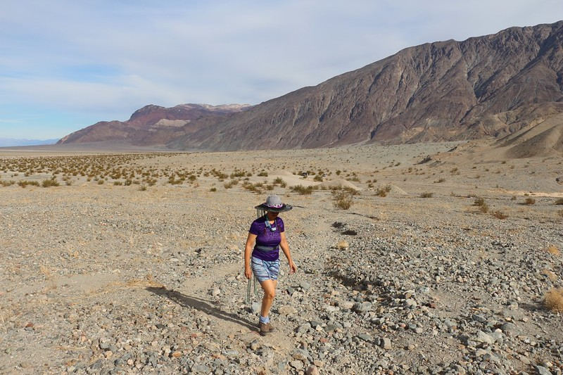 Vicki hiking up the long sloping wash into Sidewinder Canyon