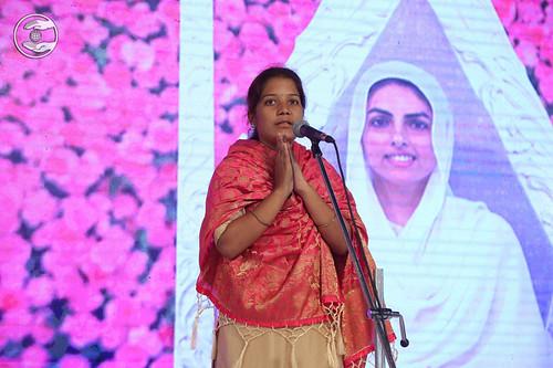 Sneha Ekusmber from Gadinglaz expresses her views