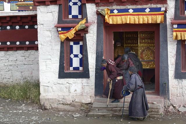 Pilgrims at Sershul, Tibet 2018