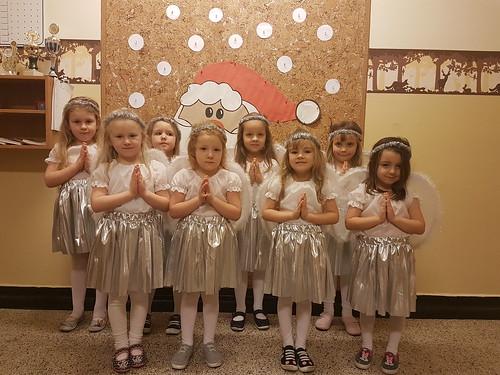 przedstawienie  świąteczne  KRÓLOWA  ŚNIEGU