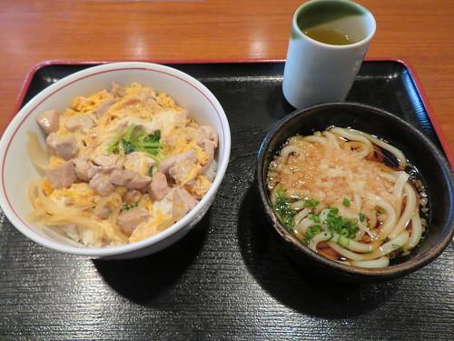 中山競馬場の京樽ガーデンの朝定食A