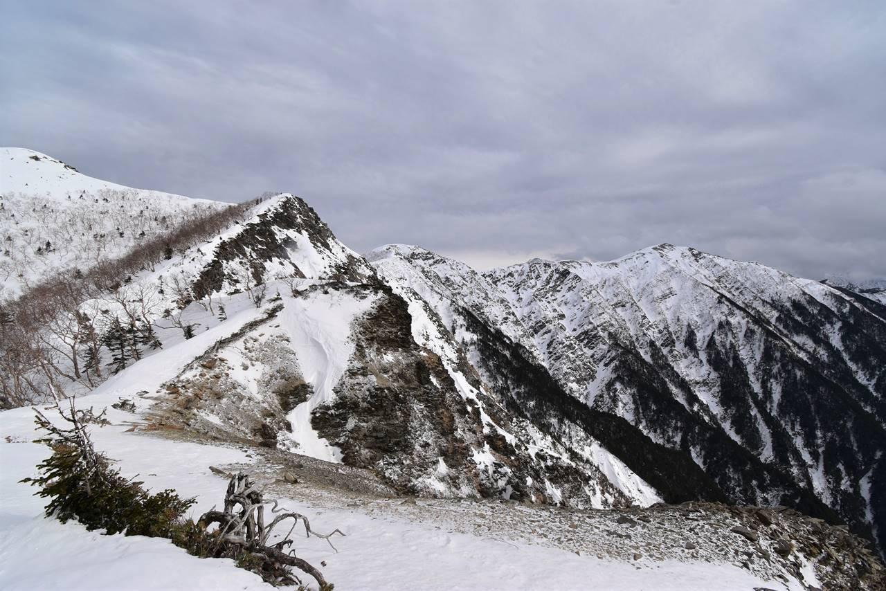 冬の南アルプス小河内岳