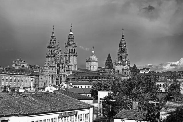 Fachada y torres de la catedral de Santiago de Compostela
