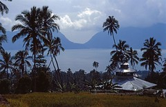 Sumatra, Lake Maninjau