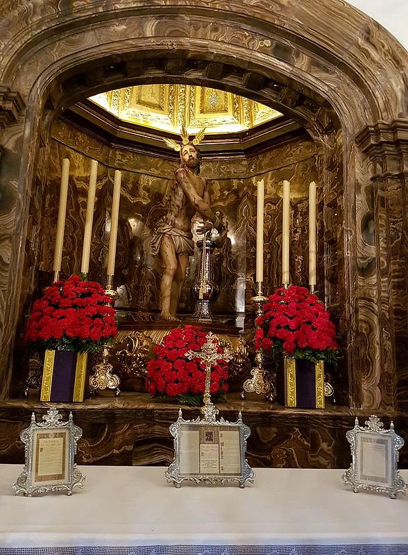 Malaga_ig_Sn_Juan_Bautista_f11.1_-Cristo_de_los_Azotes_y_Columna_capilla
