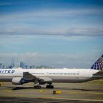 United Airlines Boeing 767-424ER N66056